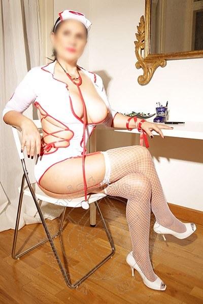 Mistress Roma Signora Laura