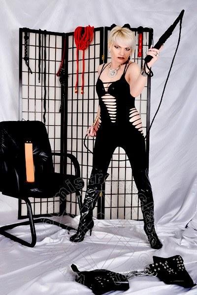 Mistress Saarbrücken Domina Pamela De Rossi