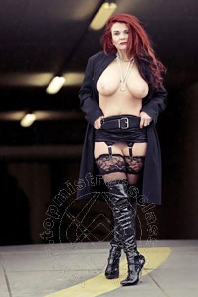 Mistress Düsseldorf Ashley Stone