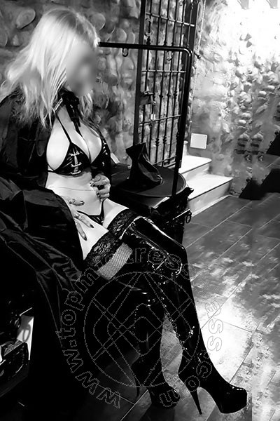 Mistress Vercelli Domina Angel