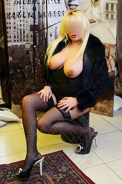 Mistress Mantova Lady Annabella